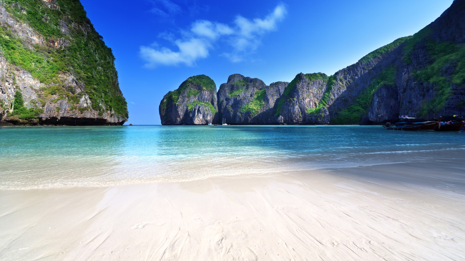 Phi Phi Island Tour in a Speedboat
